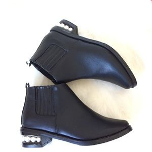 New Catherine Malandrino Black Pearl Ankle Boots 8